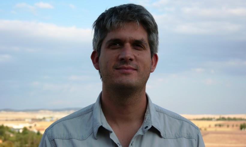 Alejandro Santiago González